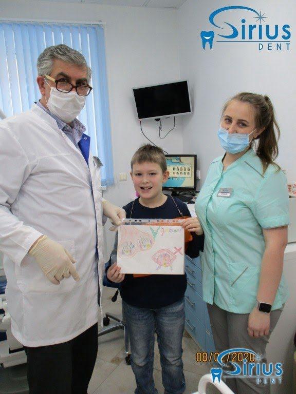 Наши очаровательные маленькие пациенты приходят с сюрпризами для своего доктора